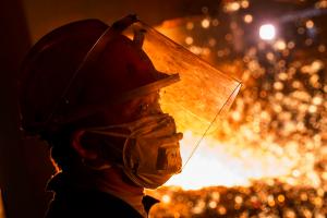 Еврокомиссию призывают пересмотреть существующие меры для защиты стали.